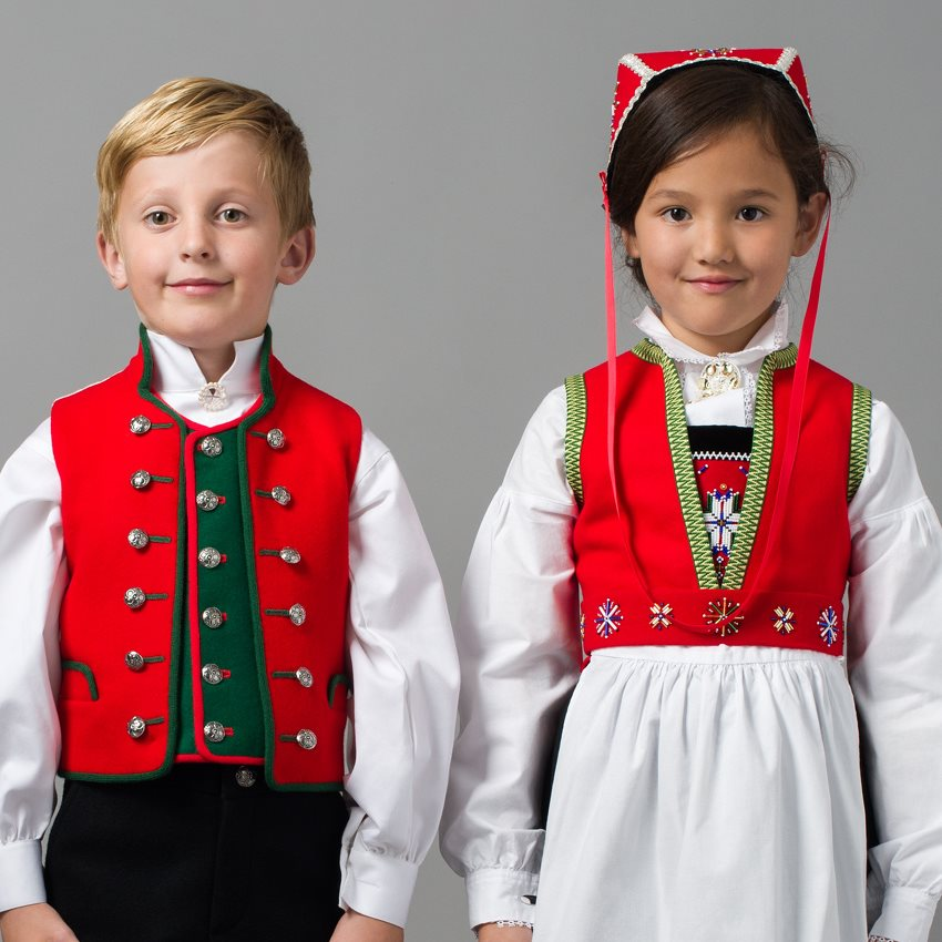 3fa73d0d Nordhordland barnebunad - Norsk Flid nettbutikk og bunader